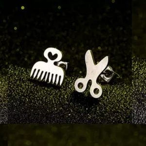 Jewelry - 🦋NEW!! Scissor&Comb stud Earrings!